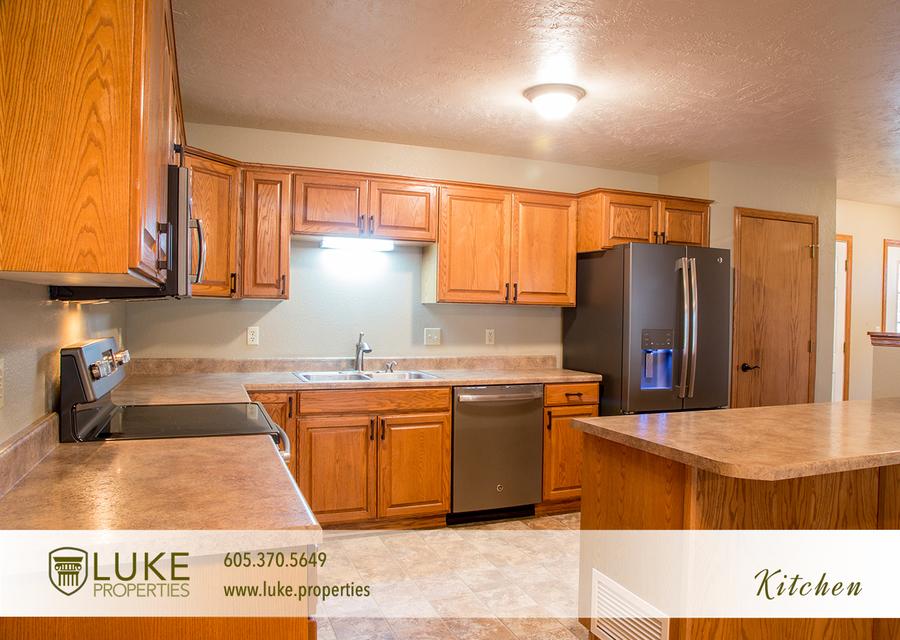 Luke properties home for rent 01 kitchen
