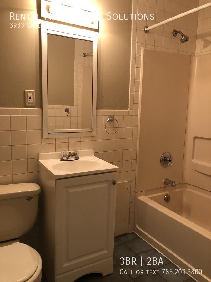 11 hall bath