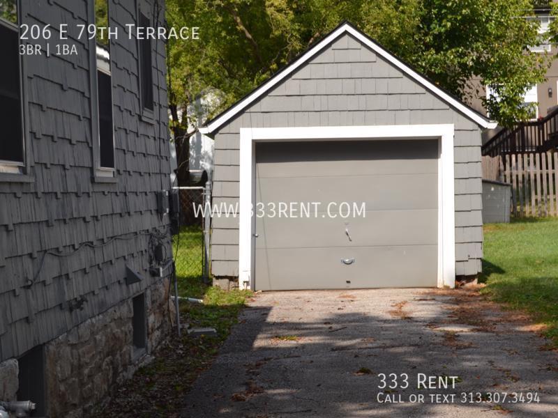 10detached garage
