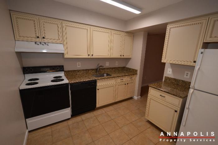 448-knottwood-court-id695-kitchen-b