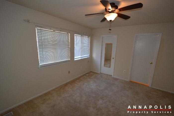 448-knottwood-court-id695-master-bed-c