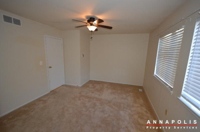 448-knottwood-court-id695-master-bed-b