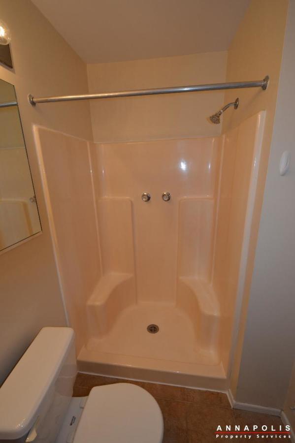 448-knottwood-court-id695-master-bath-b
