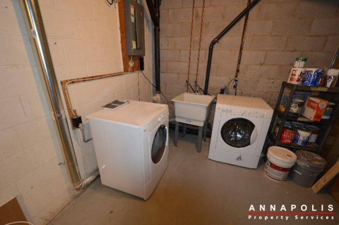 448-knottwood-court-id695-washer-and-dryer