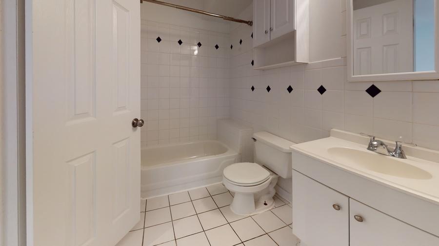 1211 s st bathroom