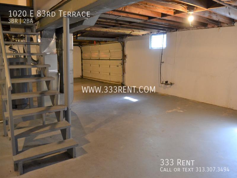 10garage basement combo