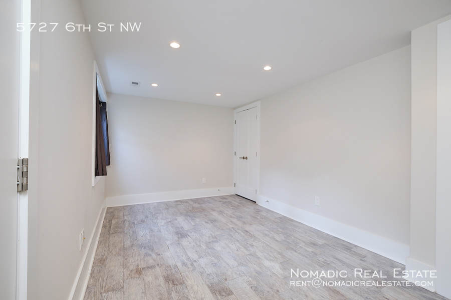 5727 6th st nw 20 10 20 17556