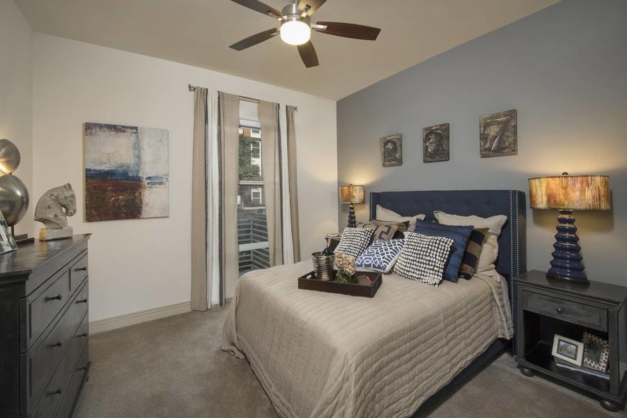 Apartmentriver fiori unit336 a1b 2017 bedroom bg