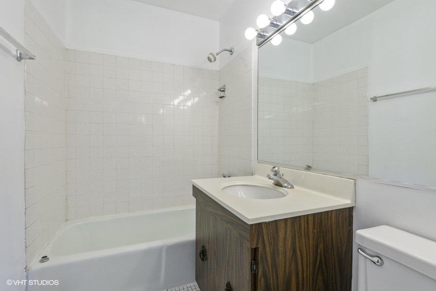 3 1255wbelden6b 13 primarybathroom lowres
