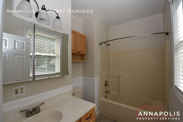 509 westminister road  id612 master bathroom 1an