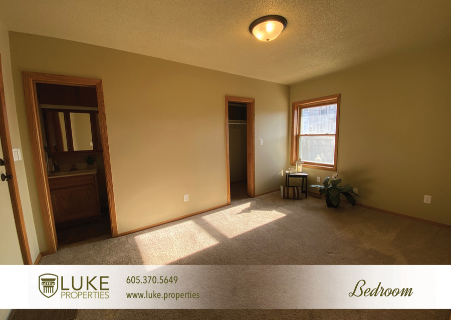 Luke properties 205 1 2 n french ave sioux falls sd 57103 house for rent9