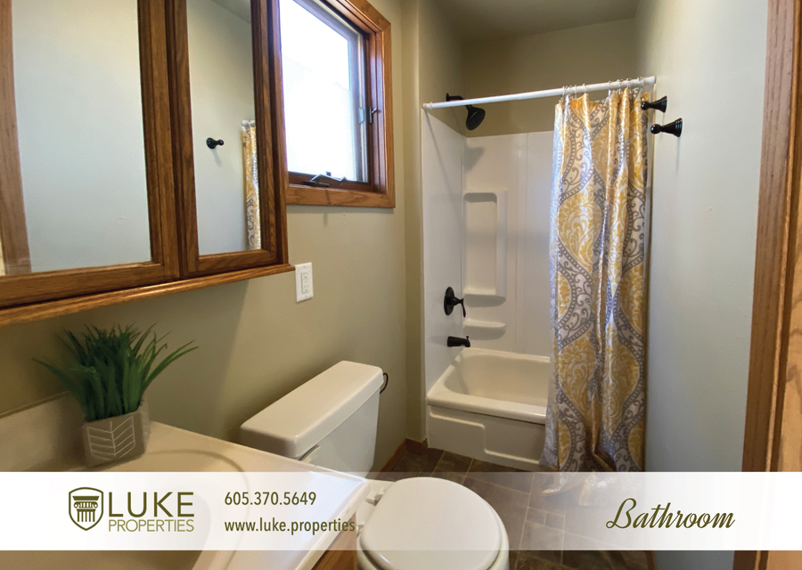 Luke properties 205 1 2 n french ave sioux falls sd 57103 house for rent10