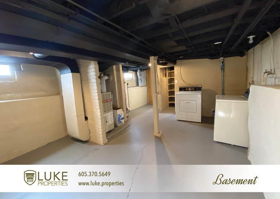 Luke properties 205 1 2 n french ave sioux falls sd 57103 house for rent11