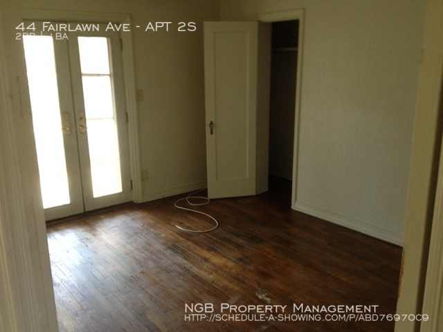 $825 per month , APT 2S 44 Fairlawn Ave,
