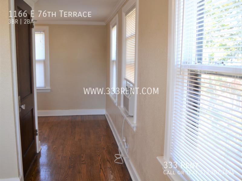 9upstairs window unit