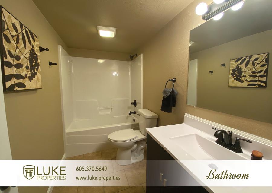 Luke properties 802 1 2 n dakota ave sioux falls sd house for rent 11