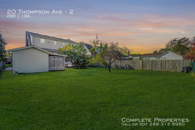 Back yard listing photo 3