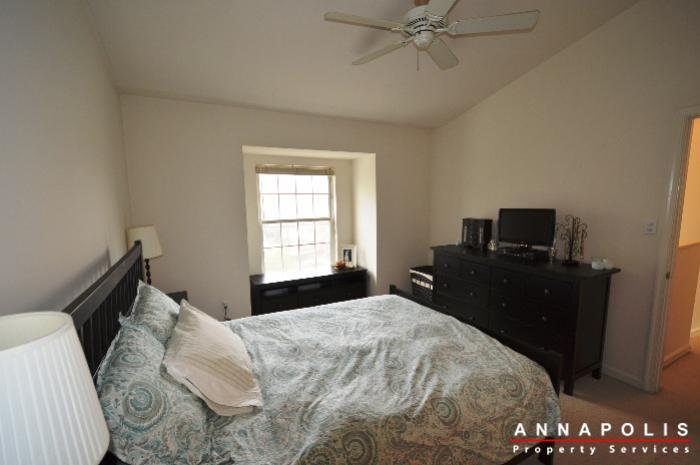 935-forest-hills-ave-id702-master-bed-c