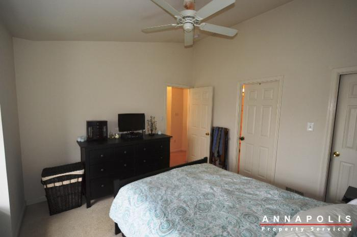 935-forest-hills-ave-id702-master-bed-d