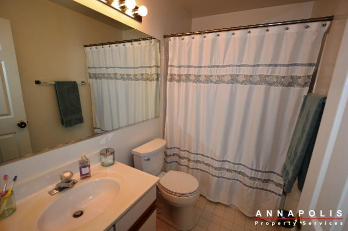935-forest-hills-ave-id702-master-bath
