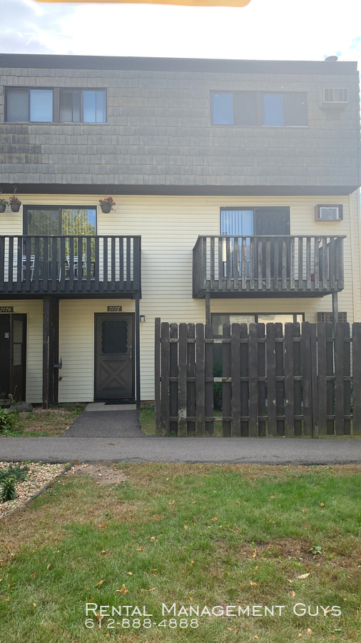 Condo for Rent in Brooklyn Park