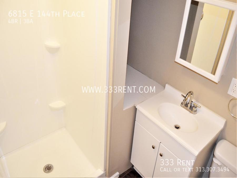 12upstairs bathroom