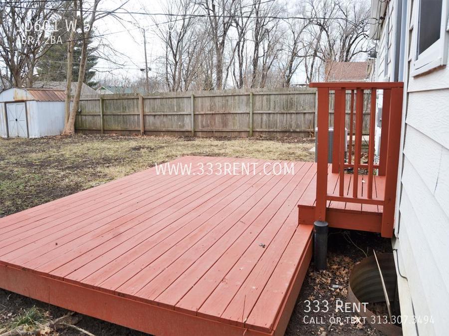 9back porch