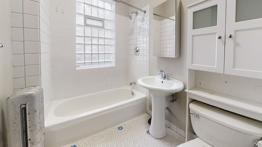 803 monroe st bathroom