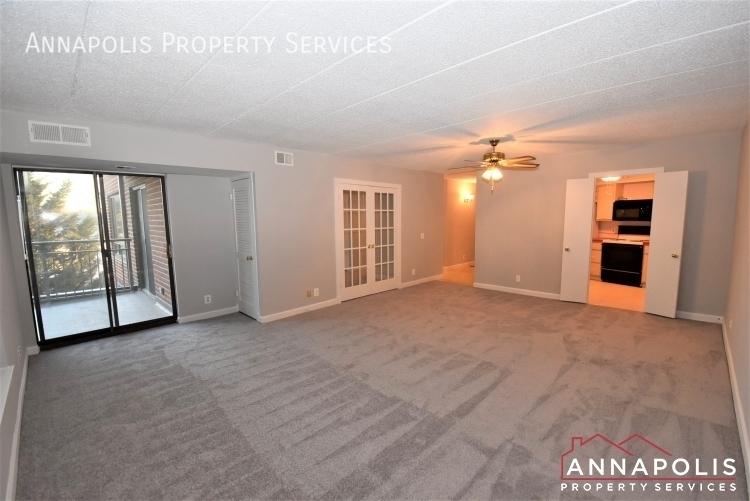 100 severn avenue 205 id1143 living room 1an%281%29