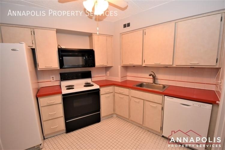 100 severn avenue 205 id1143 kitchen 1an%282%29