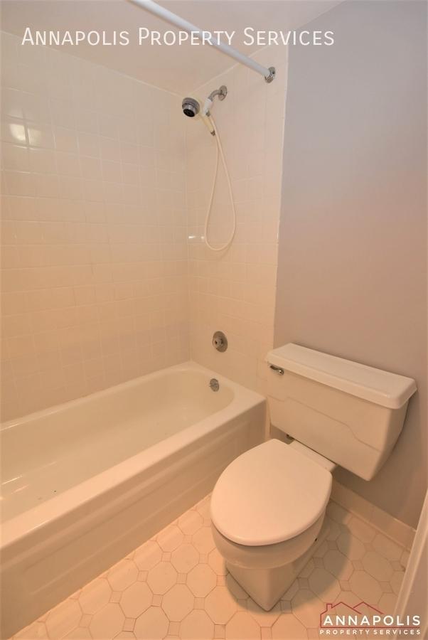 100 severn avenue 205 id1143 master bath 1an