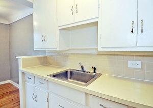 Ba_delprado_1br_kitchen1