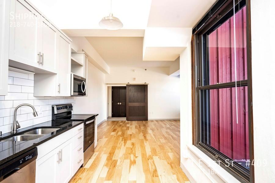 Cove apartments  409 kitchen
