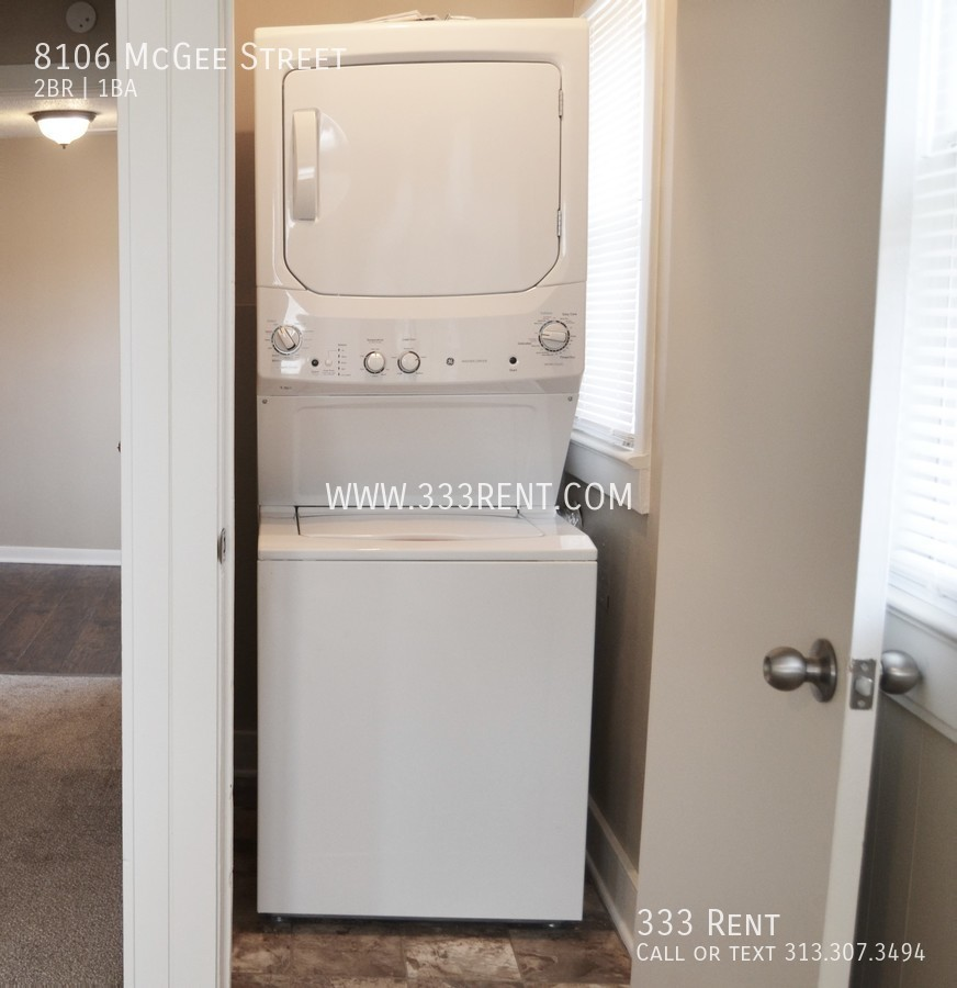 9washer dryer included