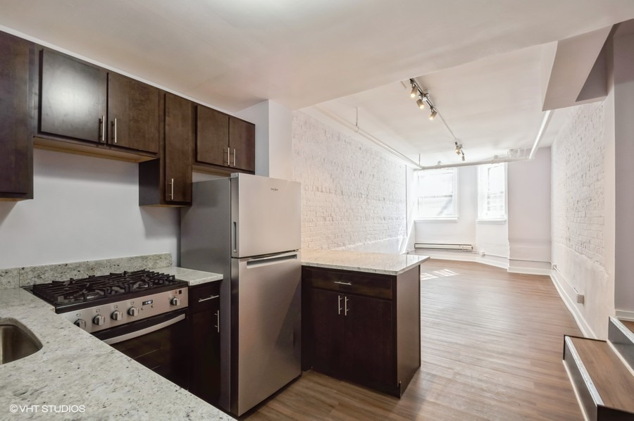 4 822 w wrightwood gdn 91001 kitchen living web