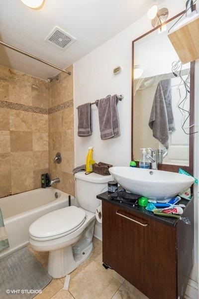 12 807wlill apt104 9001 2ndbathroom lowres