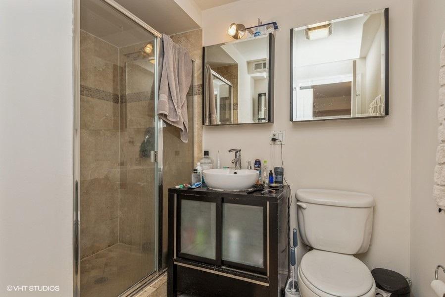 13 807wlill apt104 10 3rdbathroom lowres