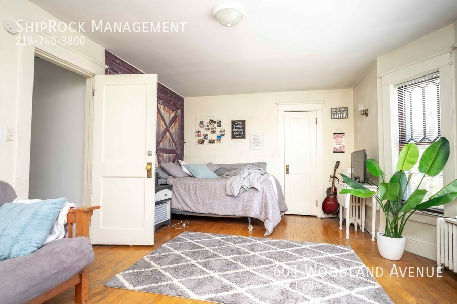 601 woodland ave bedroom1
