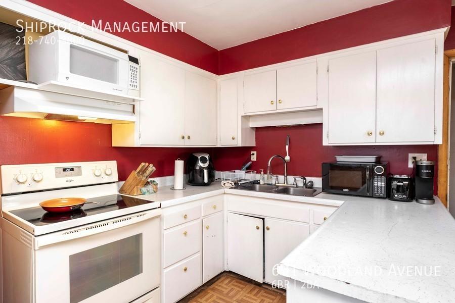 601 woodland ave kitchen lower 1