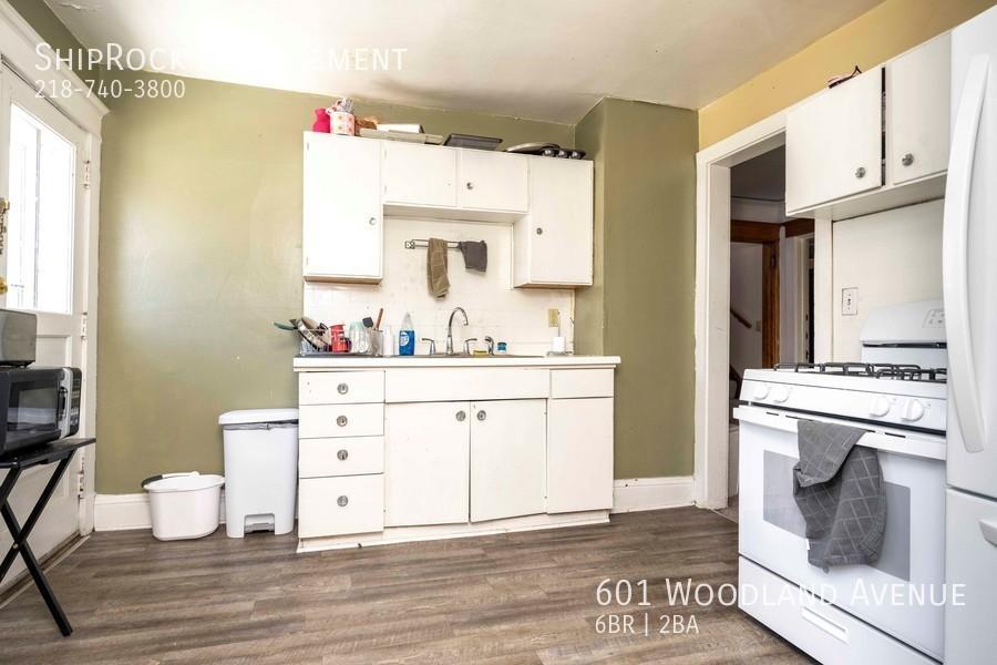 601 woodland ave kitchen upper