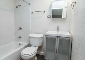 Ba_aperture_1777_bathroom