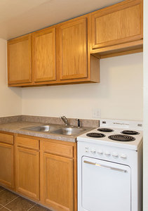 Wh_brittanymanor_unit14_kitchen1
