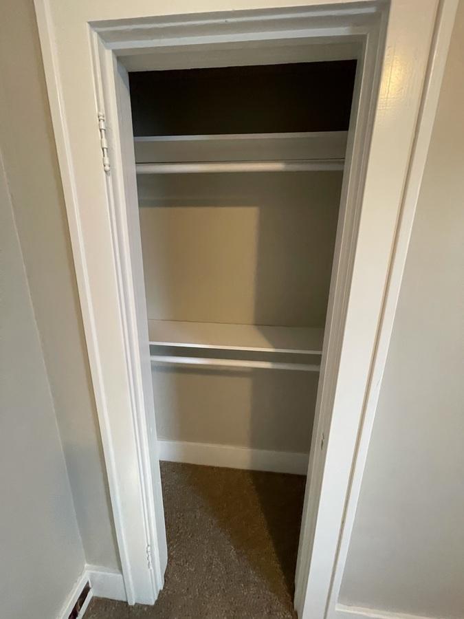 Bed 2 closet