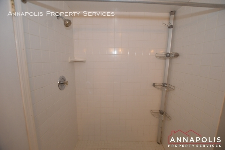 1 silverwood circle 8 id1152 master shower h