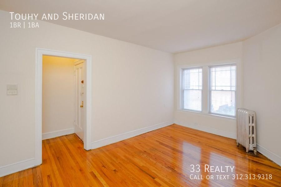 1333 touhy living room and window