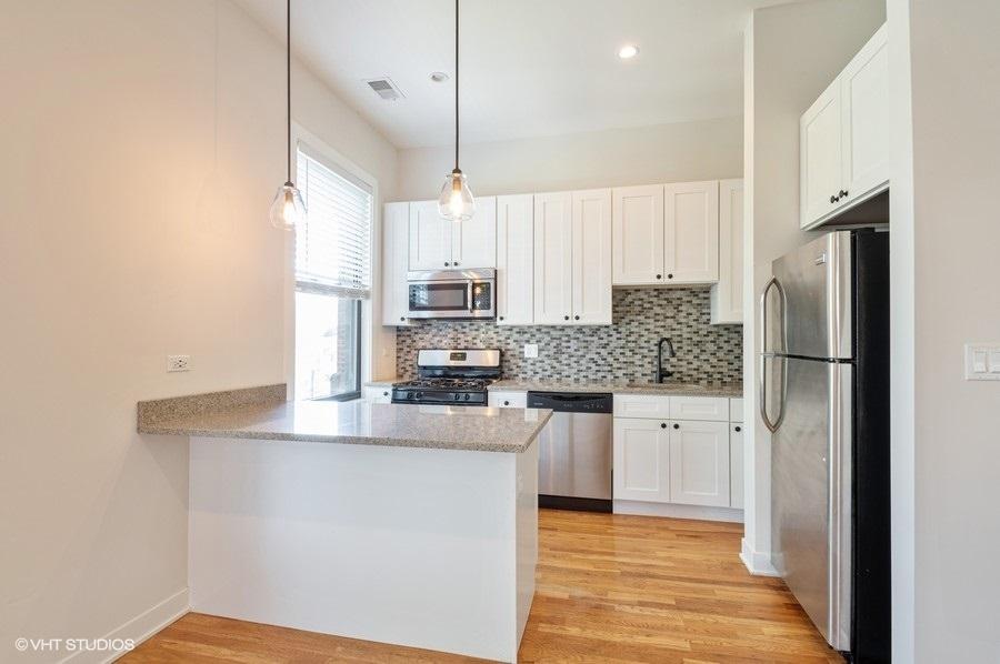 1 609woakdale units244 5 kitchen lowres