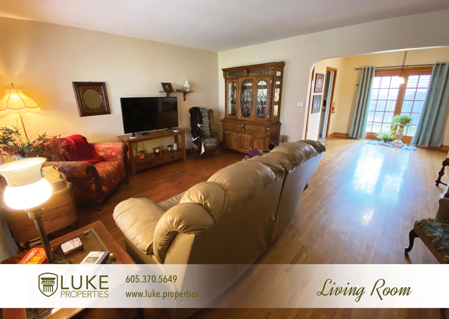 Luke properties 922 s 3rd ave sioux falls south dakota 57104 home for rent3