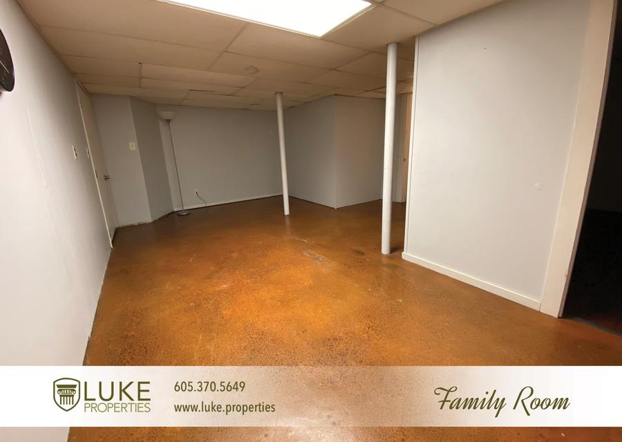 Luke properties 922 s 3rd ave sioux falls south dakota 57104 home for rent15