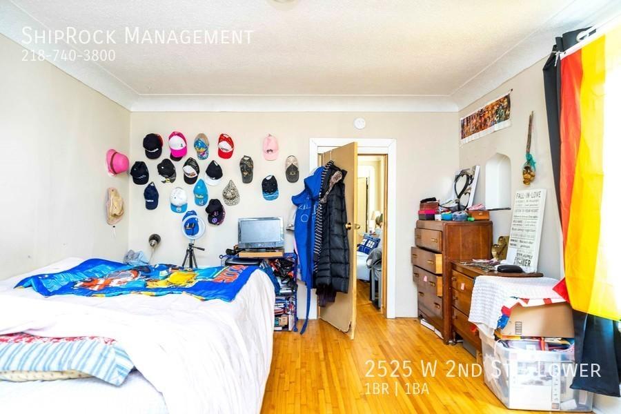 2525 w 2nd st lower bedroom