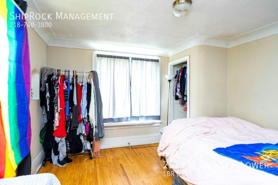 2525 w 2nd st lower bedroom1